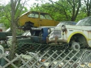 Cristoph Baumgartinger: Schrottautos auf einem shrottplatz